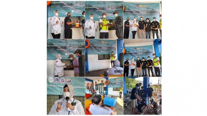 Anggota DPD RI (Dewan Perwakilan Daerah Republik Indonesia) Dapil Provinsi DKI Jakarta, Fahira Idris, hadir dalam peluncuran kegiatan Padat Karya dan pemberian bantuan life jacket serta ring bouy untuk nelayan di Muara Angke.