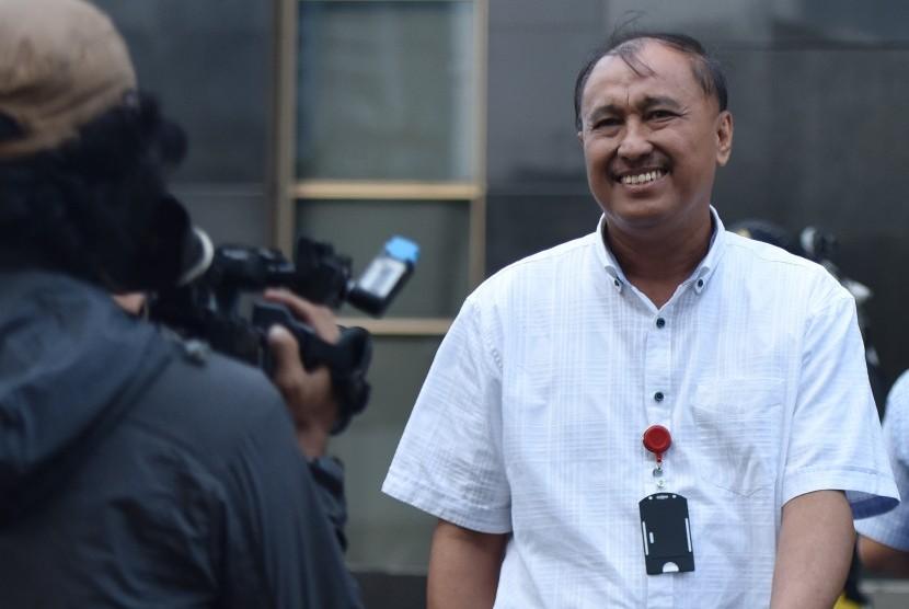 Anggota DPR dari Fraksi Golkar, Markus Nari meninggalkan Gedung KPK usai menjalani pemeriksaan di Jakarta, Rabu (17/5).