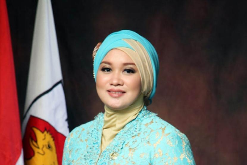 Anggota DPR RI, Putih Sari