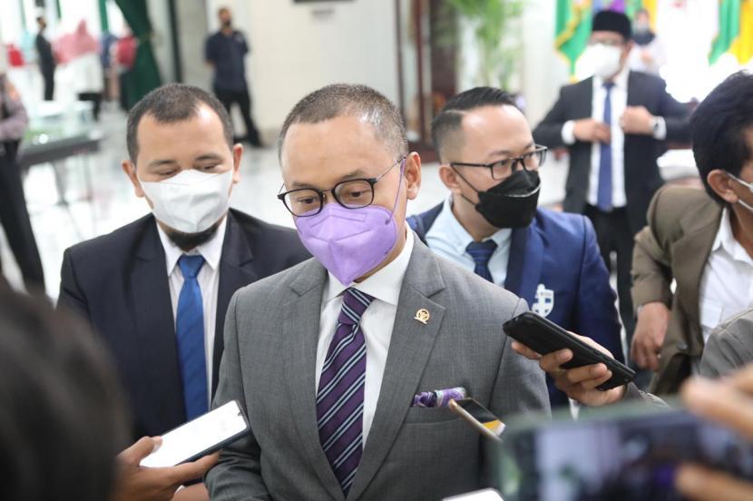 Wakil Ketus Komisi VII DPR Eddy Soeparno menilai komisinya saat ini tidaklah efektif dalam menjalankan fungsinya. (ilustrasi)