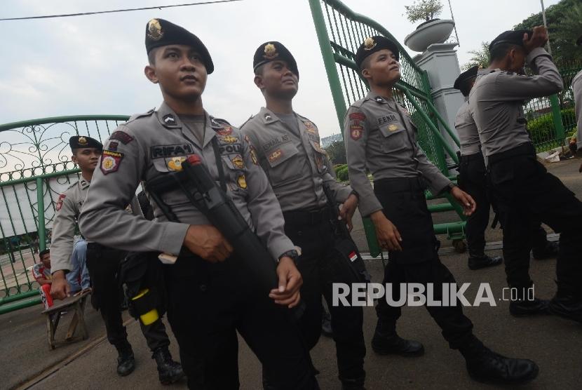 Anggota Kepolisian sedang bertugas. ilustrasi