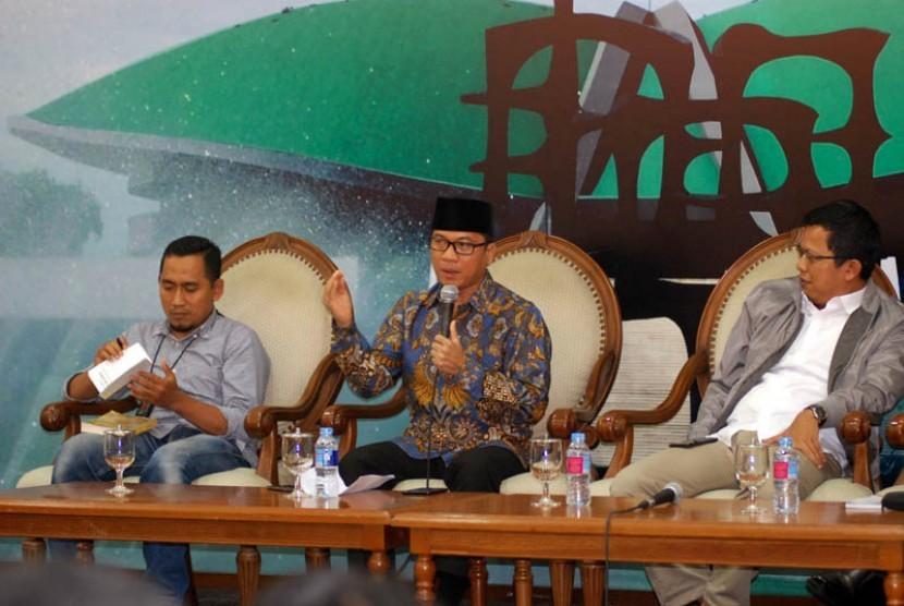 Anggota Komisi II DPR Yandri Susanto turut prihatin atas hukuman mati yang menimpa Tenaga Kerja Indonesia (TKI) Tuti Tursilawati.