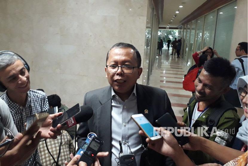 Anggota Komisi III DPR-RI, Arsul Sani di Gedung Nusantara II, Senin (16/10).