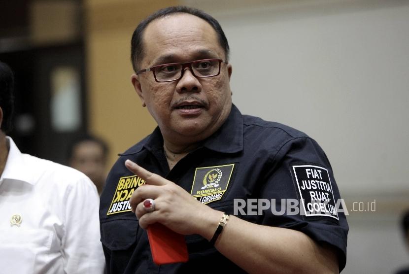 Wakil Ketua Komisi II DPR Junimart Girsang
