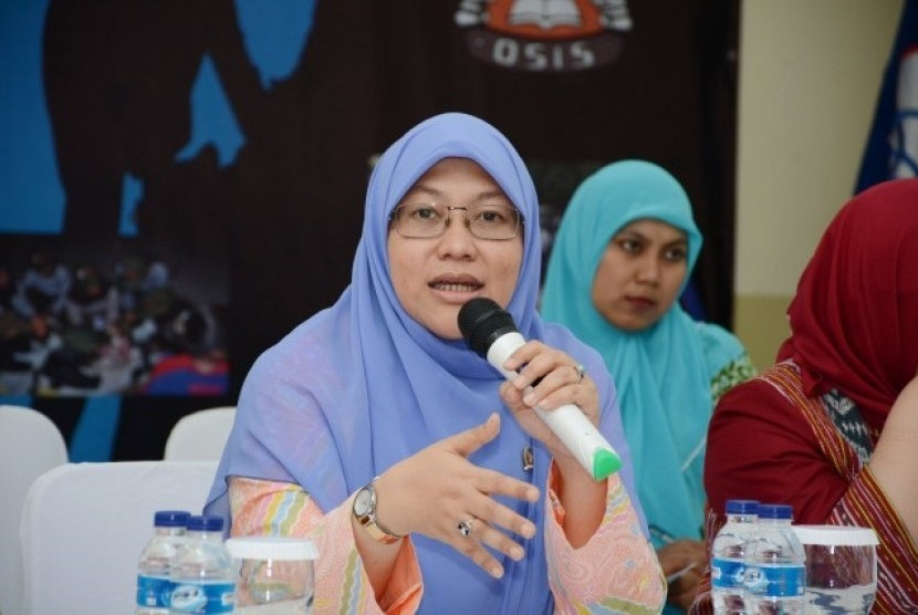 Anggota Komisi X DPR RI, Ledia Hanifa Amaliah (F-PKS), melakukan Kunjungan Kerja Spesifik (Kunspek) ke sekolah swasta SMP Presiden Bekasi di Kabupaten Bekasi, Jawa Barat, Jumat (21/5).