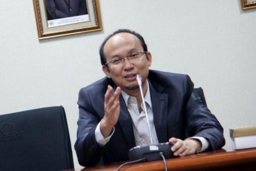 Anggota Komisi XI DPR, Ecky Awal Mucharam
