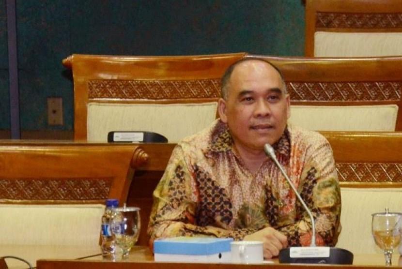 Anggota Komisi XI DPR Heri Gunawan menyatakan keputusan memperpanjang Pemberlakuan Pembatasan Kegiatan Masyarakat (PPKM) hendaknya diimbangi dengan pemenuhan kebutuhan rakyat. (ilustrasi)