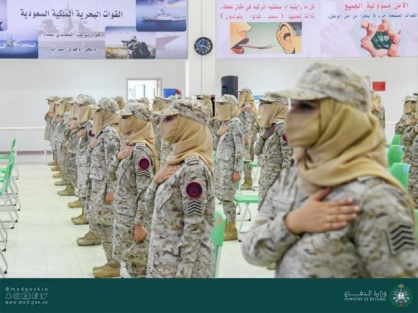 Angkatan Pertama Tentara Wanita Saudi Selesaikan Pelatihan
