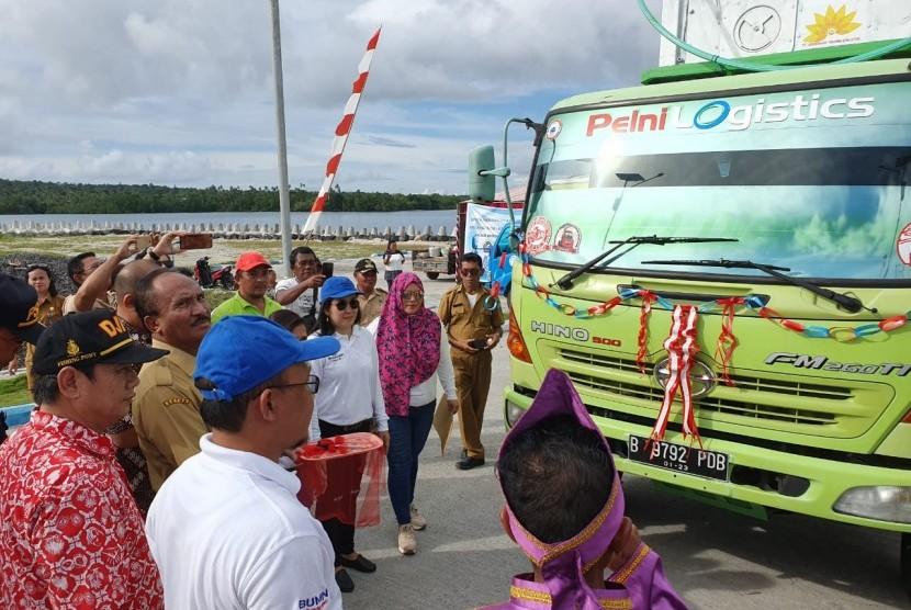 Angkutan tol laut pada hari Selasa (30/4) telah melakukan pengiriman perdana komoditas ikan dengan menggunakan reefer container dari Kepulauan Talaud menuju Surabaya, Jawa Timur.