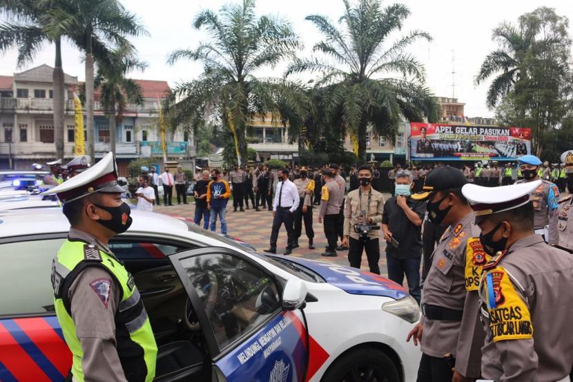 Aparat kepolisian menggelar apel gelar pasukan jelang Hari Raya Idha.