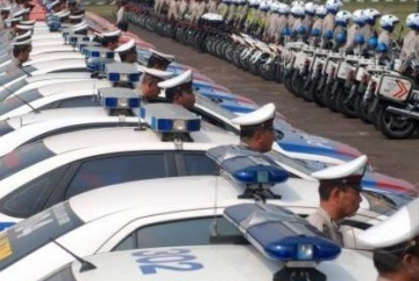 Aparat kepolisian tengah mempersiapkan diri dalam Operasi Ketupat (ilustrasi).