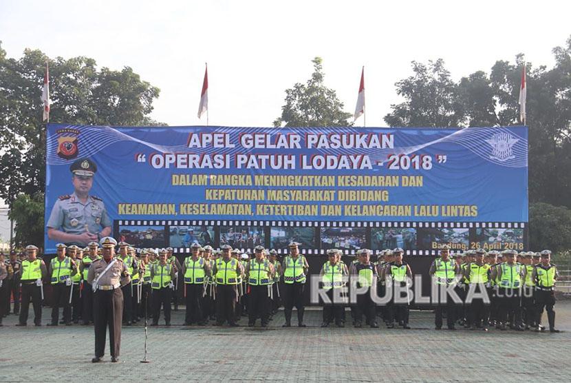 Apel Gelar Pasukan Operasi Patuh Lodaya 2018 di Lapangan Mapolda Jabar.