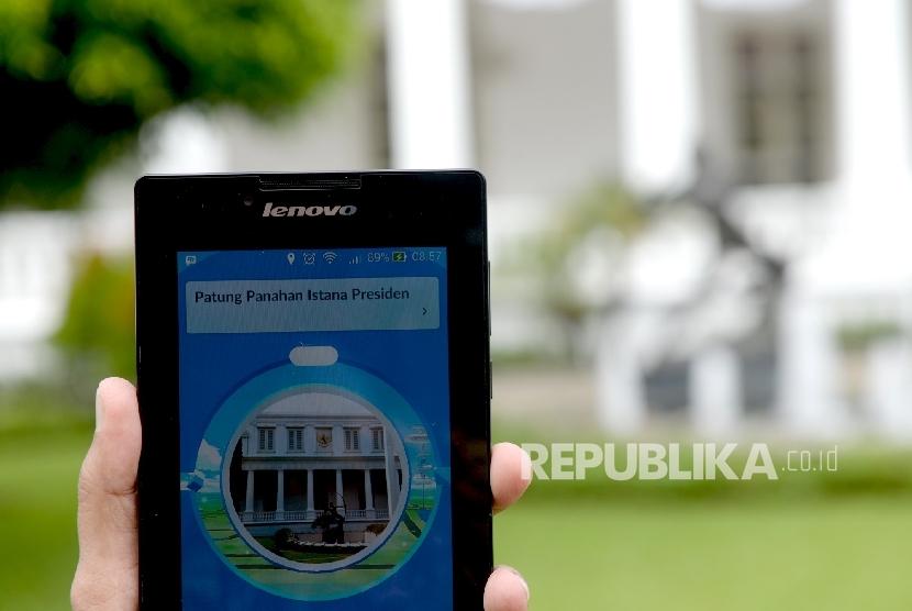 Aplikasi Pokemon Go saat berada di Komplek Istana Negara, Jakarta, Rabu (20/7). (Republika/ Wihdan)