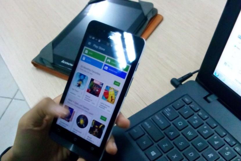 aplikasi ponsel semakin mempermudah masyarakat dalam beraktivitas