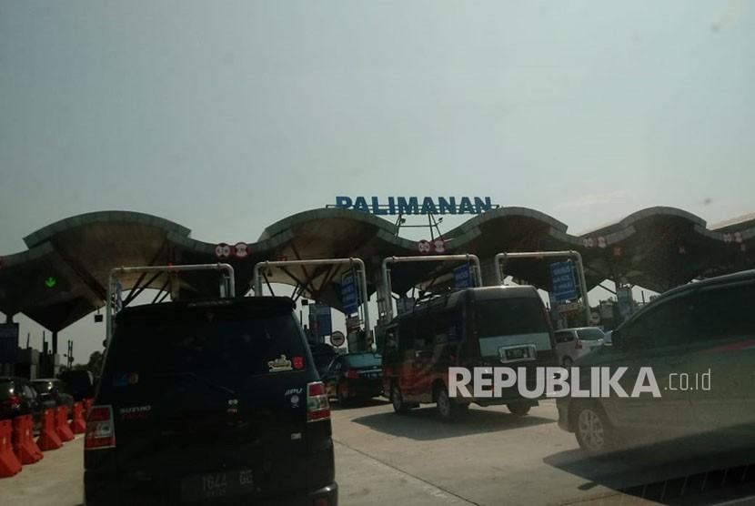 Arus balik mulai terlihat di Gerbang Tol Palimanan dan ruas tol Cipali