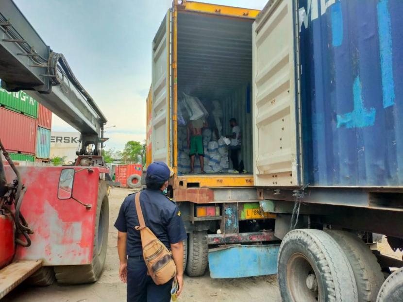 Asistensi ekspor kembali dilakukan oleh Bea Cukai Batam, Bea Cukai Cirebon, Bea Cukai Ambon dan Bea Cukai Tanjung Perak.