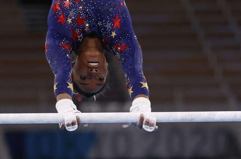 Atlet senam Amerika Serikat, Simone Biles, memutuskan mundur dari Olimpiade 2020 Tokyo karena masalah kesehatan mental.