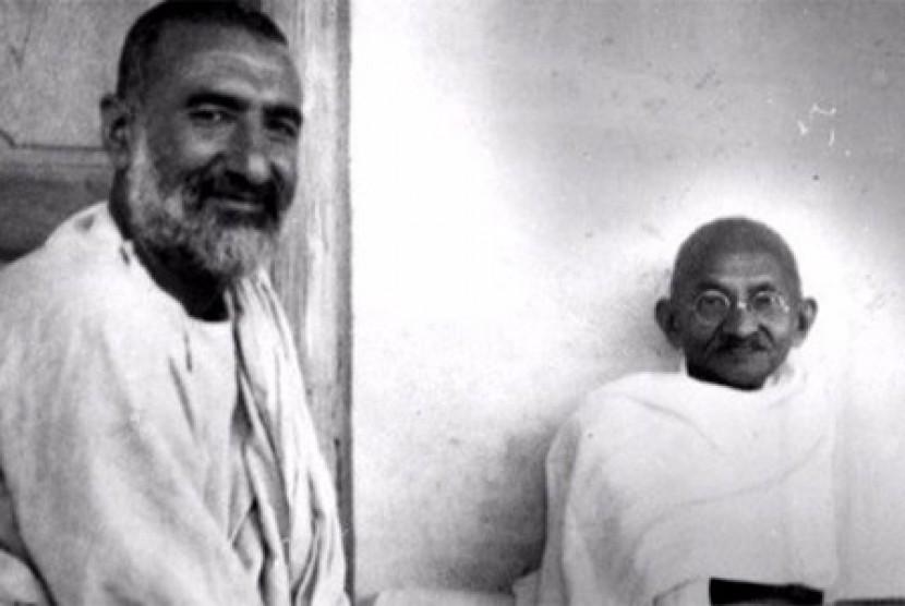Bacha Khan dan Gandhi.