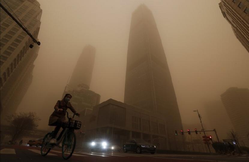 Matahari Biru di Beijing