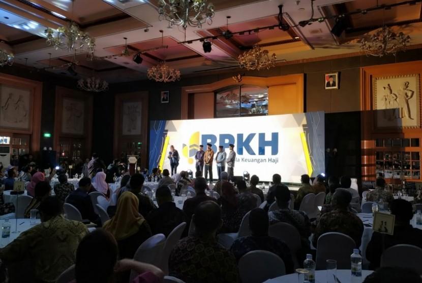 Badan Pengelola Keuangan Haji (BPKH) meluncurkan logo baru pada milad keduanya. Logo yang digunakan BPKH tahun kedua ini merupakan pemenang pertama saimbara desigen logo BPKH.