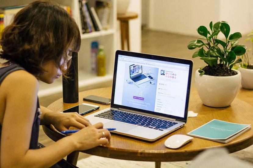 Mau kerja online? Ini profesi yang cocok!