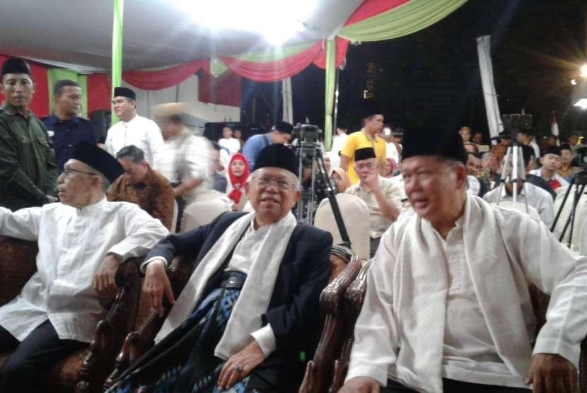 Bakal calon wakil presiden KH Ma'ruf Amin di Rumah KMA, Jalan Saharjo No 129, Tebet, Jakarta Selatan, Ahad (16/9).