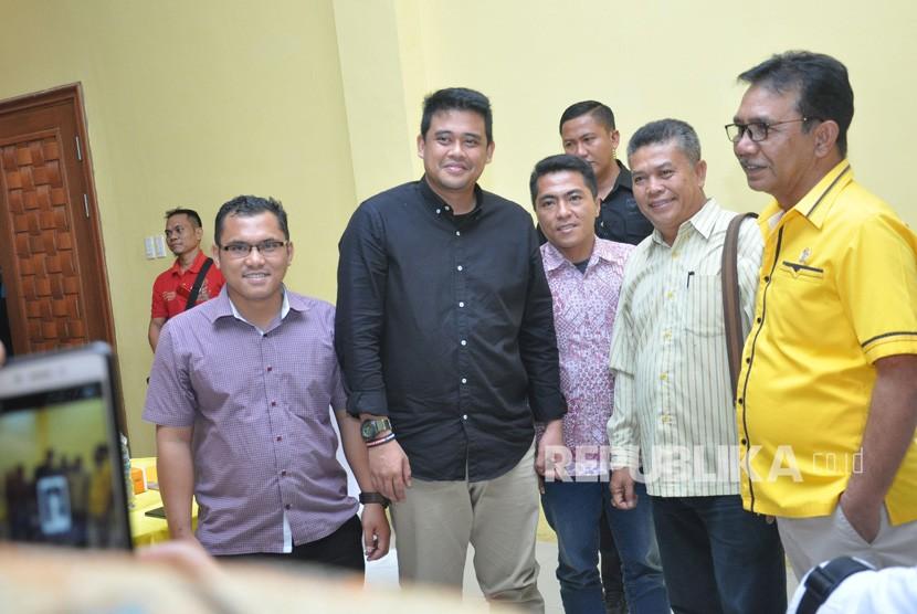 Bakal calon Wali Kota Medan Bobby Afif Nasution (tengah)