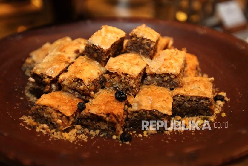 Baklava, hidangan pembatal puasa khas Lebanon.