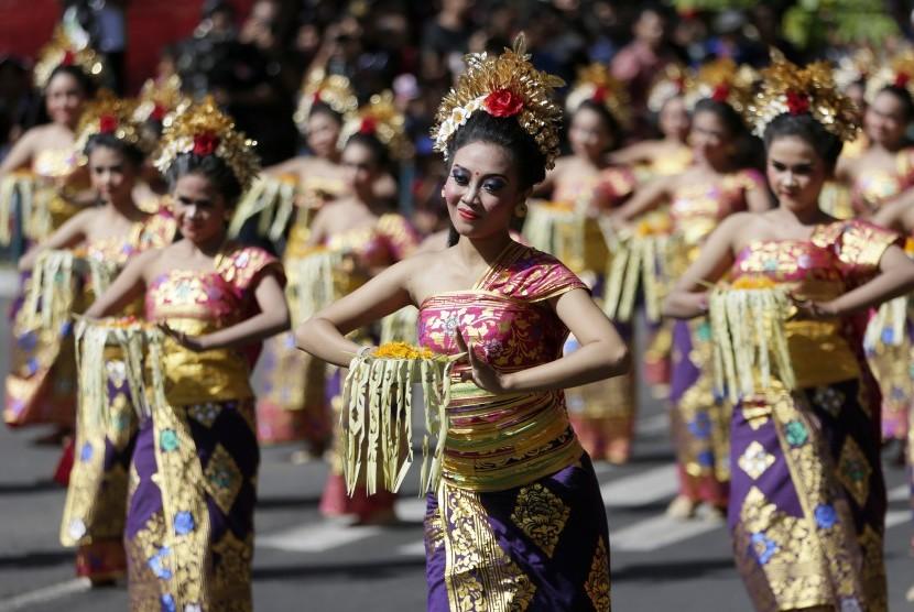 Bali masih menjadi magnet bagi turis seluruh dunia, turis AS dan Malaysia merupakan kelompok wisatawan yang paling banyak menghabiskan uangnya di Bali.