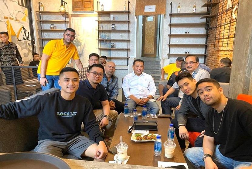 Bamsoet saat membuka Kafe Lekker Djakarta milik putera keduanya Dimaz Nizar Soesatyo, di Jakarta, Sabtu (29/2). Bamsoet menilai potensi pengembangan UMKM sektor kuliner sangat besar