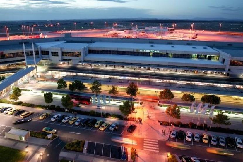 Bandara Melbourne terletak sekitar 22 km dari pusat kota.