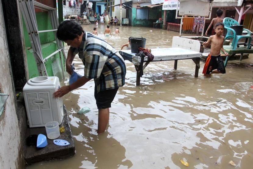 banjir di pemukiman warga (ilustr)