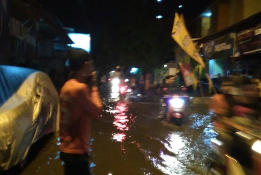 Banjir melanda Kota Mataram (ilustrasi)