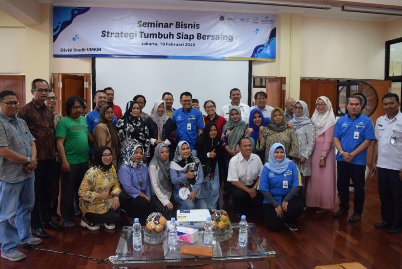 Bank BJB bekerja sama dengan Pemprov DKI Jakarta dan Gerakan Nusantara Berdaya (GNB) menggelar seminar kewirausahaan dengan tema 'Strategi Tumbuh Siap Bersaing' di Tempat Kumpul Kreatif Jakarta Utara, Jakarta, Rabu (19/2).