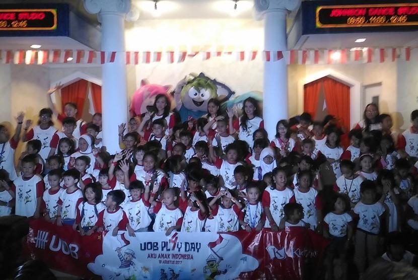 Bank UOB Indonesia anak merayakan hari kemerdekaan ke-72 RI di Kidzania Jakarta, Sabtu (18/8).