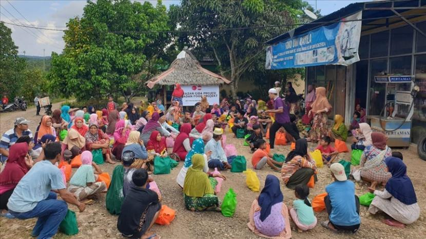 Bantuan masyarakat Turki kepada warga Desa Mekarmanik, Lebak Banten