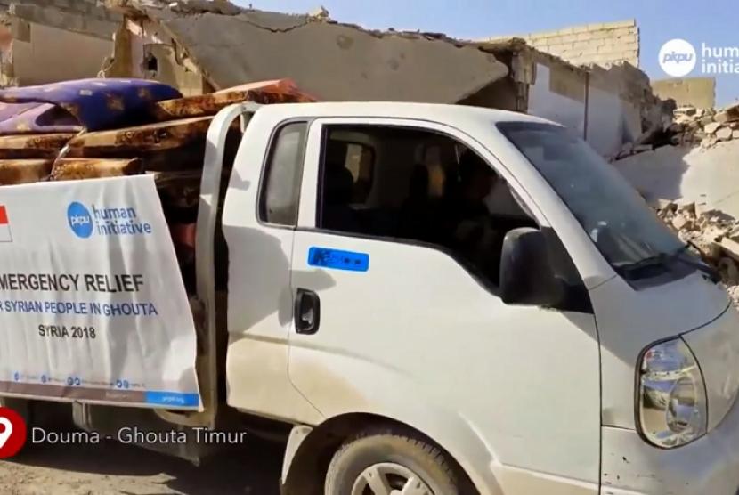 Bantuan matras dan selimut yang disalurkan PKPU Human Initiative.