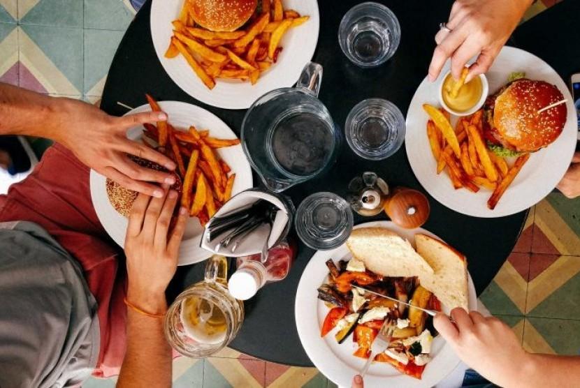 Banyak kandungan garam berada dalam makanan jadi yang tersembunyi.