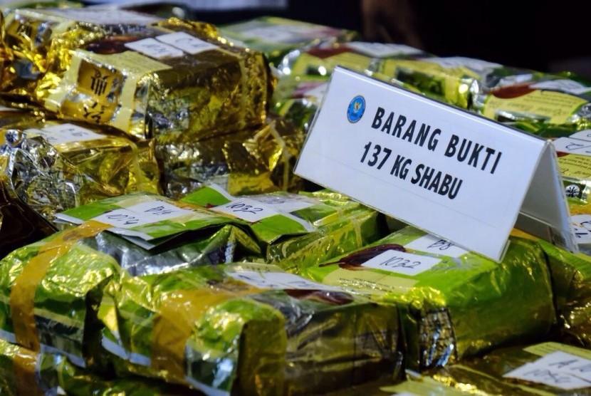 Barang bukti 137 kilogram sabu yang diamankan di Aceh.