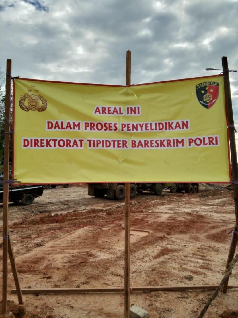 Bareskrim Polri sempat melakukan penyegelan tambang batu bara milik PT Damai Mitra Cendana, yang berada di Kecamatan mataraman, Kabupaten Banjar, Kalsel pada Jumat (30/7).
