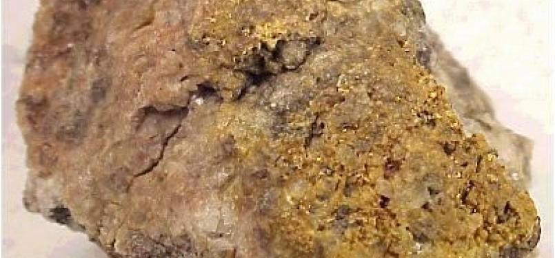 Batu mengandung emas