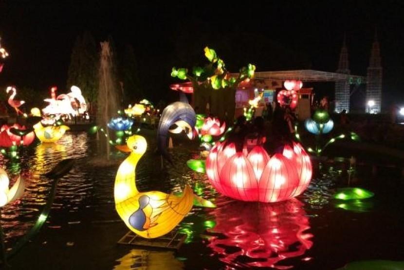 Batu Night Spektakuler (BNS), salah satu wisata hiburan malam keluarga di Kota Batu, Malang