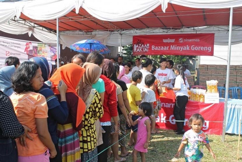 Bazar Minyak Goreng di Kampung Dadap