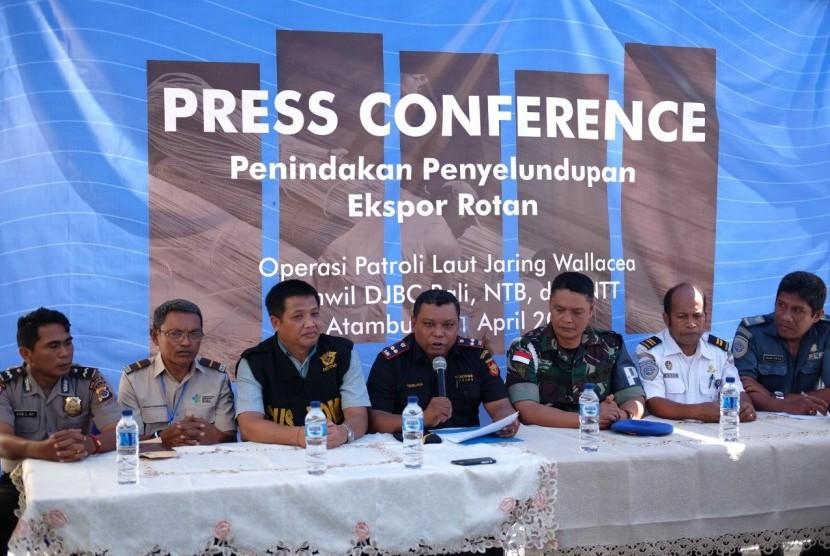 Bea Cukai Atambua berhasil menggagalkan penyelundupan ekspor rotan ke Timor Leste pada Kamis (11/4).