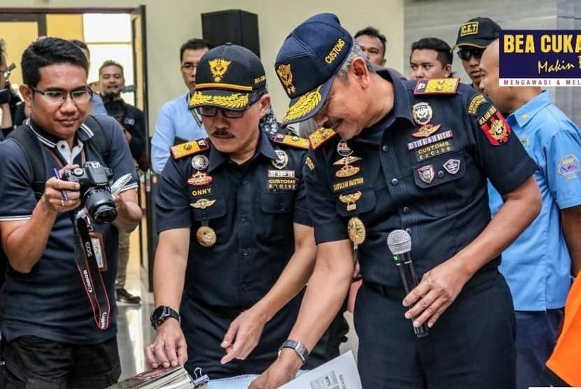 Bea Cukai Bandung menggagalkan upaya penyelundupan narkotika jenis sabu.