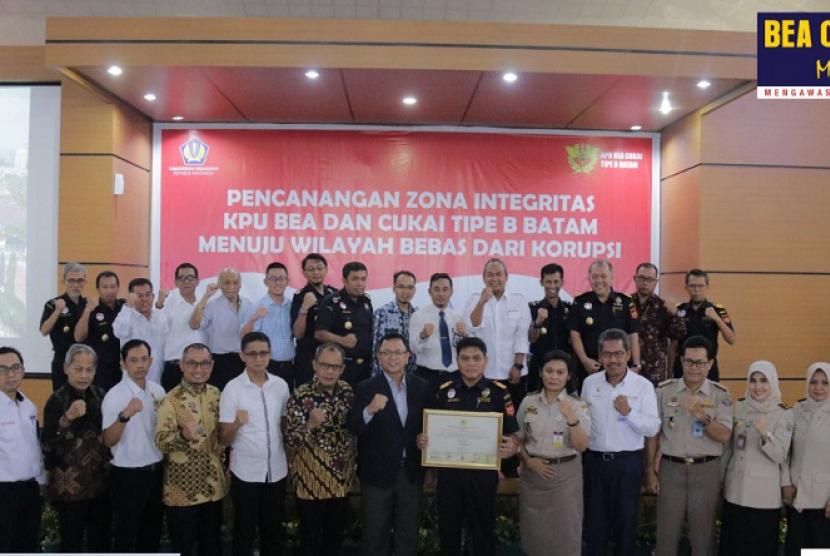 Bea Cukai Batam melaksanakan pencanangan zona integritas menuju Wilayah Bebas Korupsi (WBK).