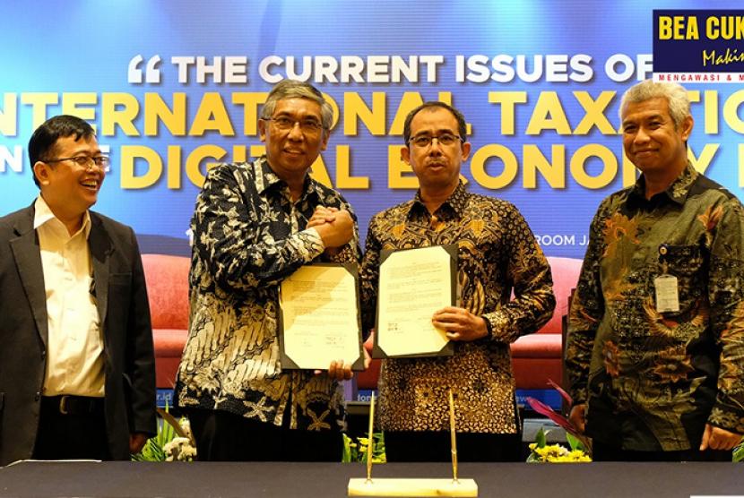 Bea Cukai dan Ikatan Akuntan Indonesia (IAI) tanda tangani MoU, di acara International Tax Conference 2019, yang bertajuk 'The Current Issues of International Taxation in The Digital Economy Era', Selasa (17/9).