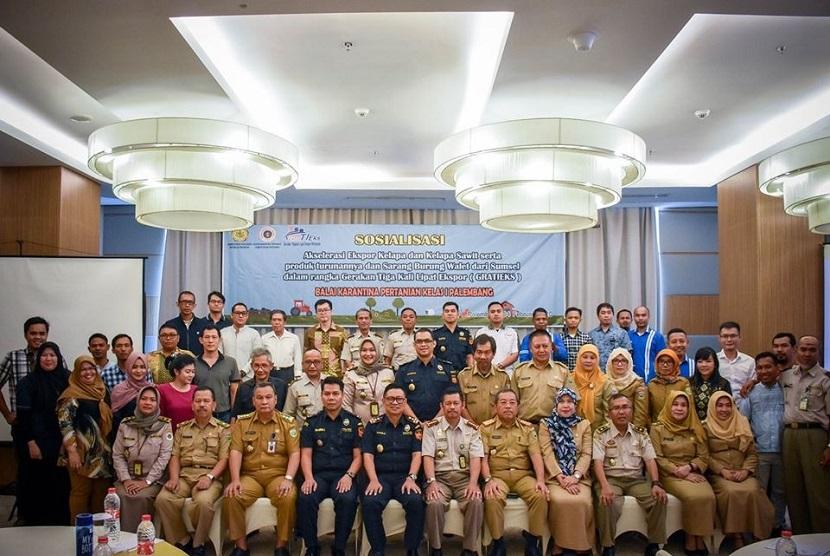 Bea Cukai dan Karantina mengoptimalkan ekspor dari Sumatera Selatan melalui program Gerakan tiga kali lipat ekspor (Gratieks) yang telah disosialisasikan pada Selasa (4/2) oleh Karantina Pertanian Kelas I Palembang