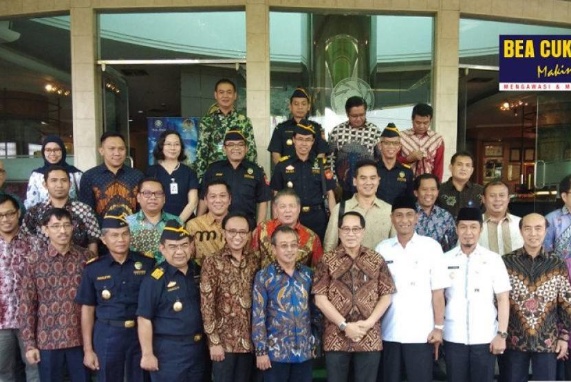 Bea Cukai Jateng-DIY terima kunjungan Pansus RUU Pertembakauan.