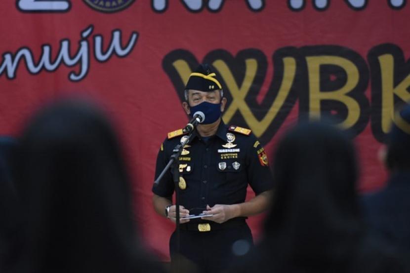 Bea Cukai Jawa Barat melakukan pencanangan zona integritas (ZI) menuju wilayah bebas korupsi dan wilayah birokrasi bersih melayani (WBK/WBBM), pada Selasa (7/7), di Kantor Wilayah Bea Cukai Jawa Barat.